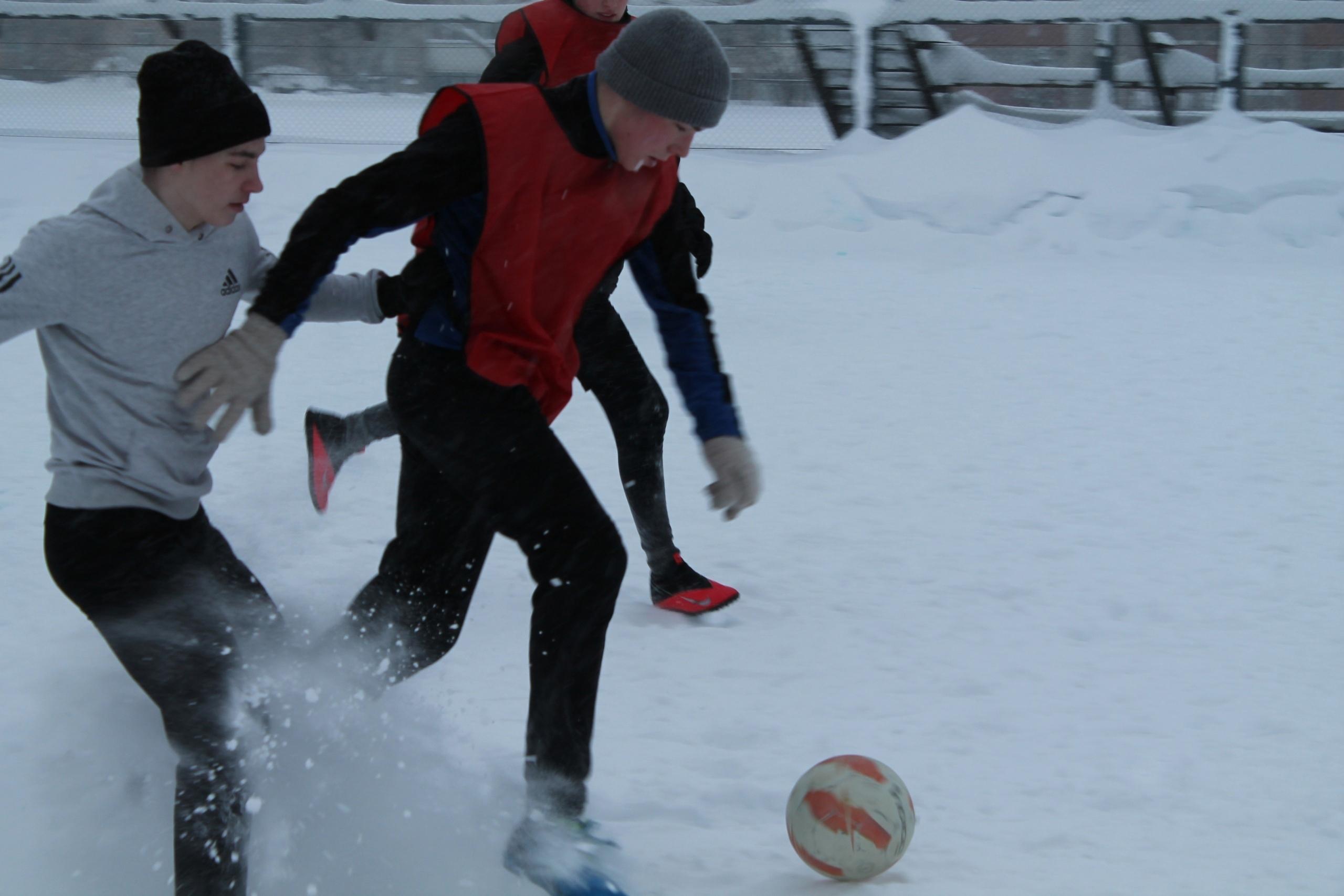 Игры футбольного марафона академии милиции Киров
